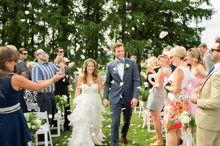 newlyweds-recessional